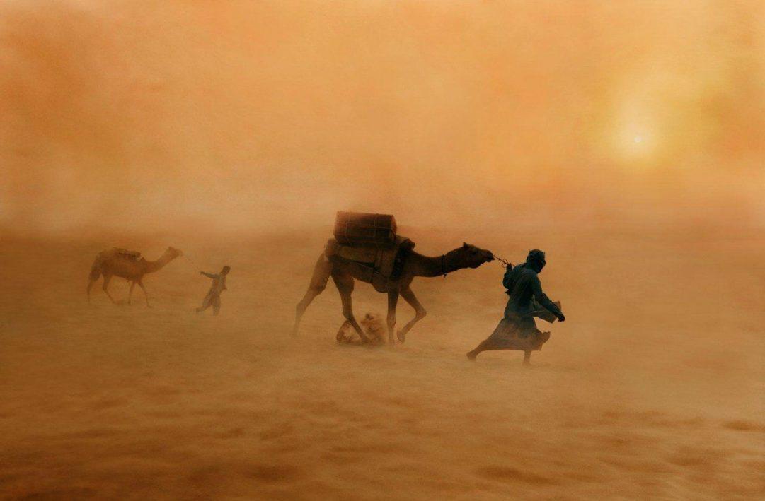 Смерч в пустыне